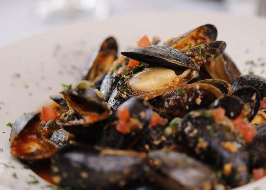 Top Places to Eat Near Our Evergreen Colorado Cabins - The Bistro at Marshdale Mussels